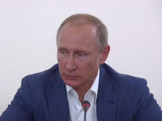 Путин рассказал о содержимом гардероба и согласился сняться в рекламе