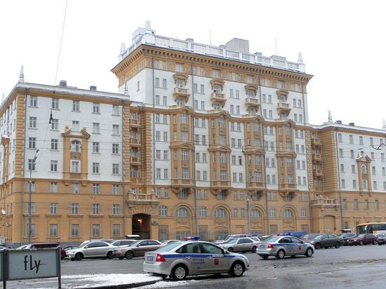 Закрытие Америки: посольство США в России приостанавливает выдачу виз