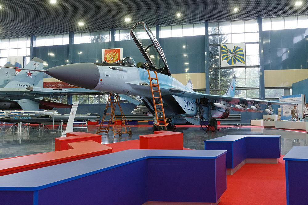 Шойгу оценил возможности новейшего российского истребителя