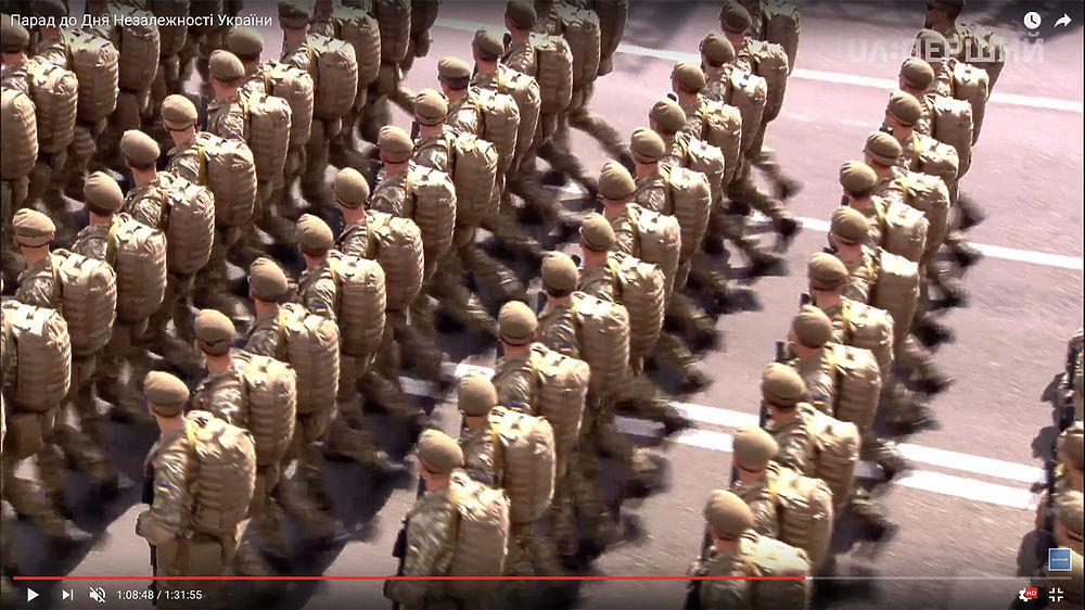 Киев сдали НАТО: Порошенко и глава Пентагона приняли военный парад