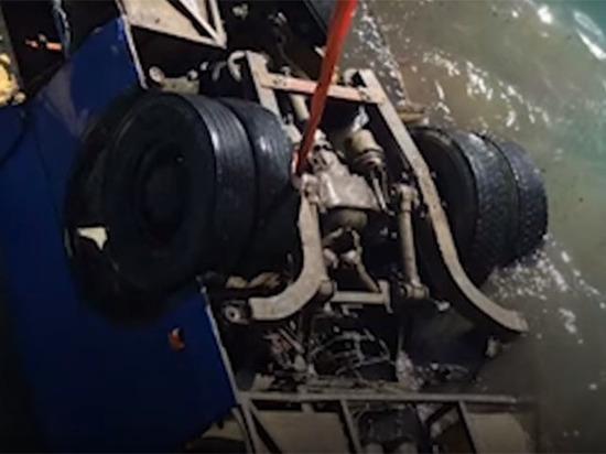 Погибшие в автобусе на Кубани рабочие строили пирс для магната