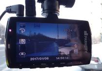 Смартфон вместо автомобильного видеорегистратора: кто кого