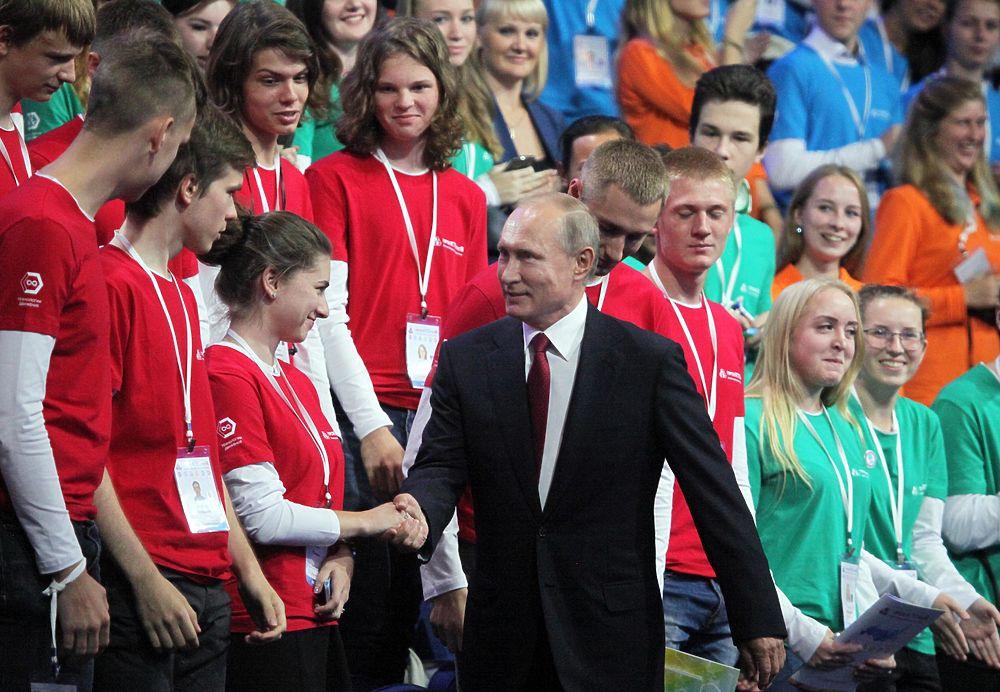 Путин в Ярославле провел открытый урок с Димой Маликовым