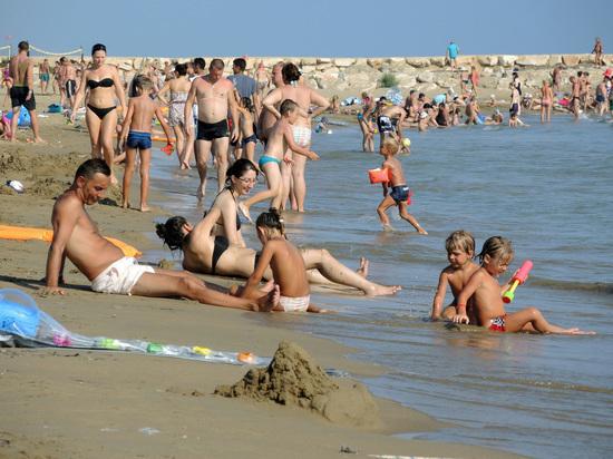 59 россиян заразились в турецкой Анталье вирусом Коксаки