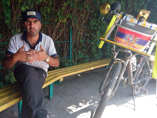 В Бишкек прибыл путешественник из Армении Артур Оганян