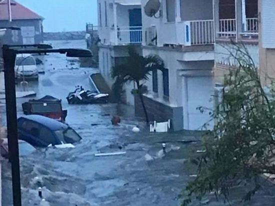 Французские острова Сен-Бартелеми и Сен-Мартен стихия накрыла дважды