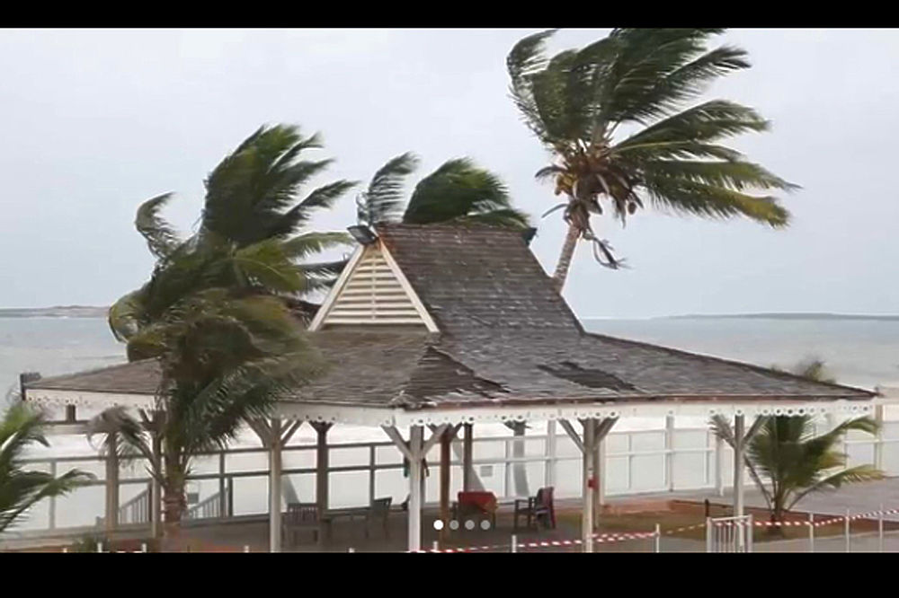 """Разрушительный ураган """"Ирма"""" грозит США массовым бедствием"""