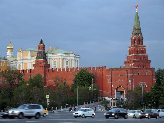Житель Ростова пытался проехать к Путину через Боровицкие ворота