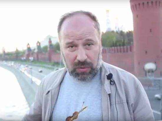Сооснователь прокремлевского движения критикует Навального и — осторожно — Путина