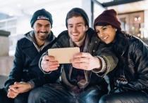 Омичи смогут выиграть айфоны за креативное селфи с избирательного участка