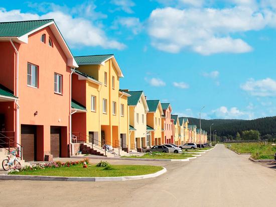 Екатеринбуржцы стремятся за город от суеты: коттеджные поселки конкурируют с домиками в деревне