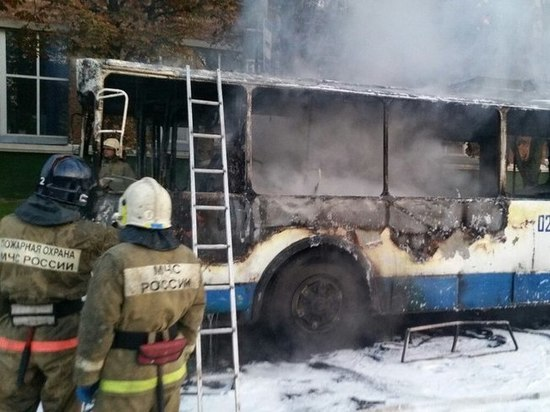 В Смоленске прямо на линии загорелся троллейбус