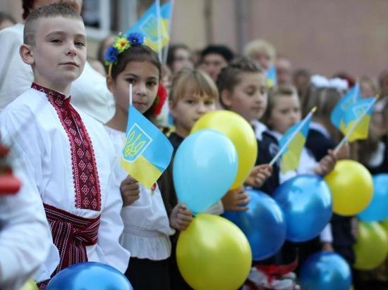 Основной жертвой принятого Радой закона Москва считает русскоязычное население Украины