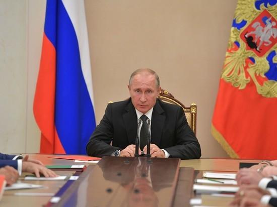 Эксперты предостерегли главу государства от ошибок, допущенных Горбачевым, и предсказали судьбу действующего правительства