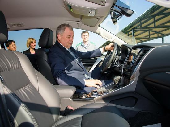 Калужский губернатор испытал новый Mitsubishi Pajero Sport, собранный в Калуге