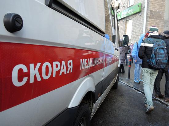 Охраннику, заступившемуся за девушек, отрезали ухо в центре Москвы
