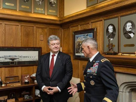 Порошенко заявил, что США подкинут Украине на оборону полмиллиарда долларов