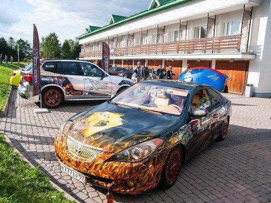 В Суздаль съехались самые тюнингованные автомобили России