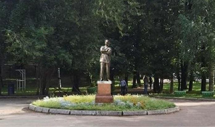 Заказать памятник нижний якутске установка надгробных памятников к Волгодонск