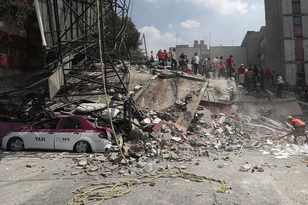 Последствия землетрясения в Мексике похожи на кадры из фильма-катастрофы