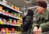 63% российских граждан отмечают непрекращающийся рост цен на еду в последние несколько месяцев, следует из опроса фонда «Общественное мнение» (ФОМ)