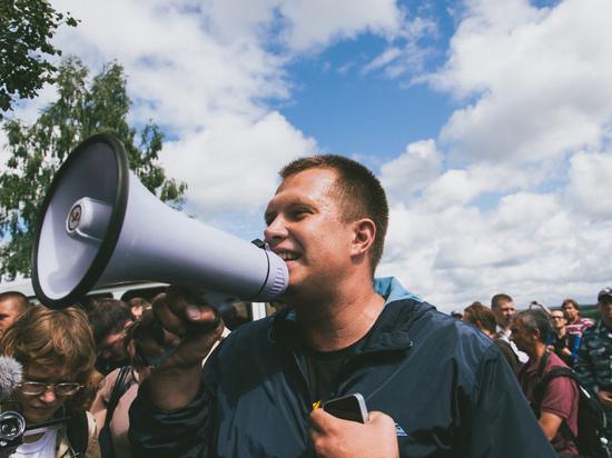 СМИ: полиция отпустила напавшего на соратника Навального Николая Ляскина