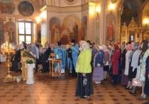 В кафедральном соборе Николы Белого состоялись праздничная литургия и молебен о граде Серпухове.