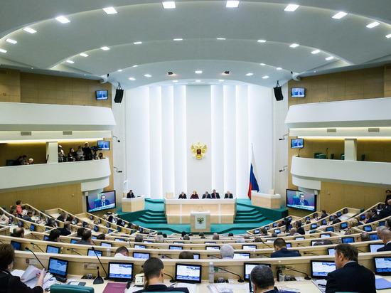 Вашингтон создает конфликтные ситуации по надуманным причинам, считает Клинцевич