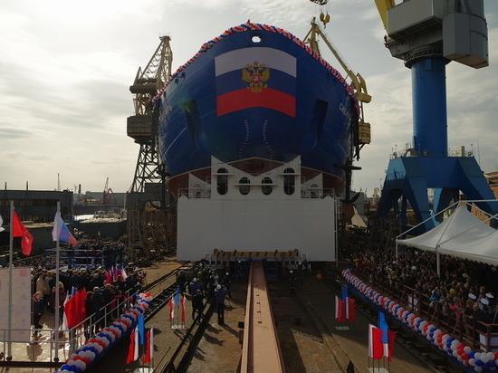 Серийный атомоход «Сибирь» спустили на воду в Санкт-Петербурге