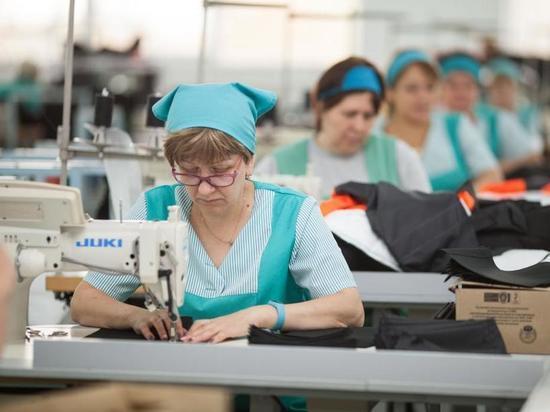 В Сургуте открылась крупнейшая современная швейная фабрика