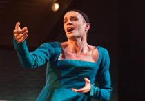 Звездная роль Максима Матвеева стала женской: сенсационная постановка в «Табакерке»