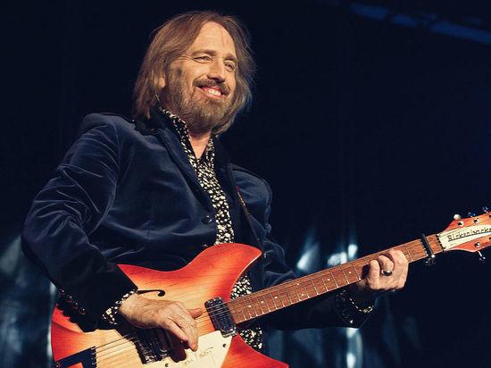 Рок-музыкант Том Петти умер в возрасте 66 лет