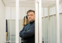 Против Никиты Белых выступил свидетель в наручниках