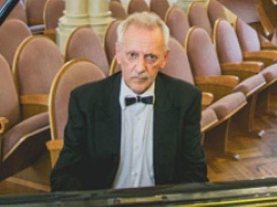 Пианист Клейн умер во время исполнения джазовой фантазии