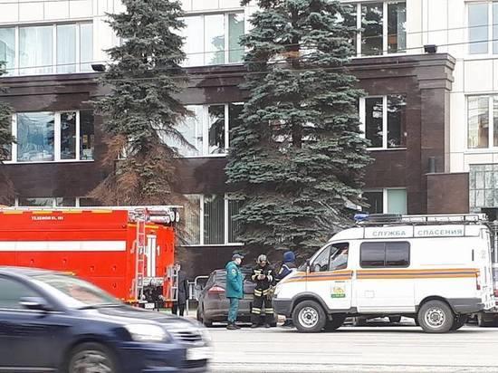 Поступил звонок о бомбе, заложенной в здание администрации Челябинской области