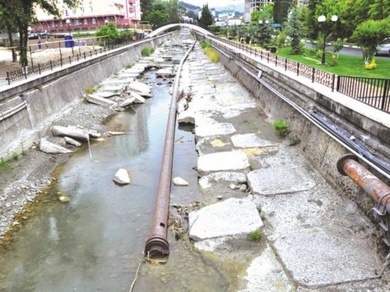 Загрязнение реки Псахе оценили в полтора миллиона рублей
