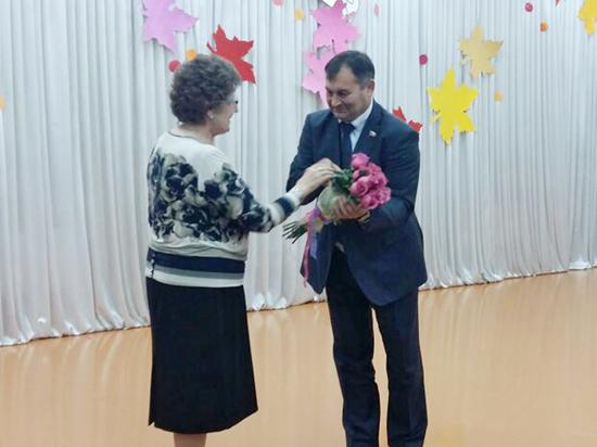 В Новосибирской школе искусств отметили сразу три праздника