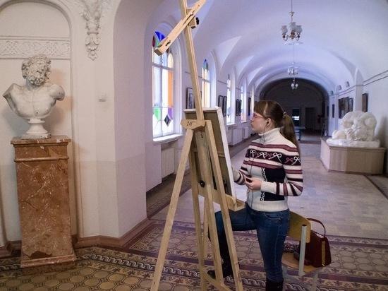 Мединский стер Сурикова с лица Казани