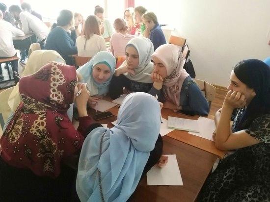 Работу филологических педагогических отрядов апробировали в Чечне