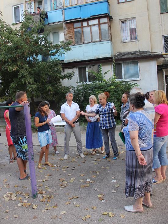 Жителям Балаклавы за капремонт навязывают соседей сверху в три яруса