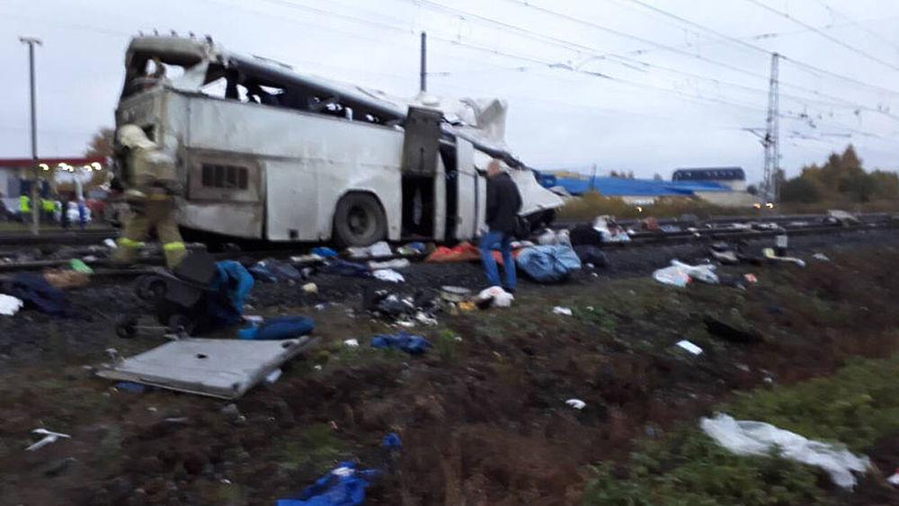 Страшное ДТП под Владимиром: автобус разметало по железнодорожным путям