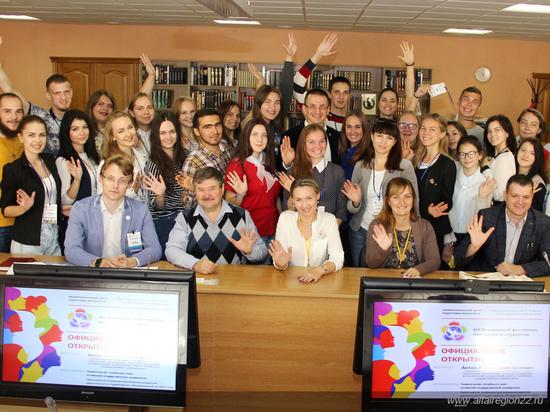 Алтайские волонтеры отправились в Сочи