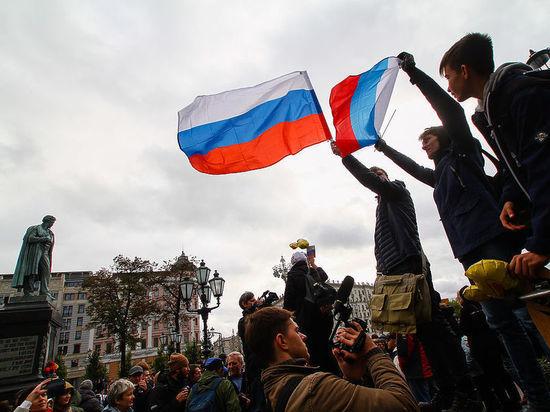 Демократия по праздникам: день рождения Путина решили не омрачать арестами