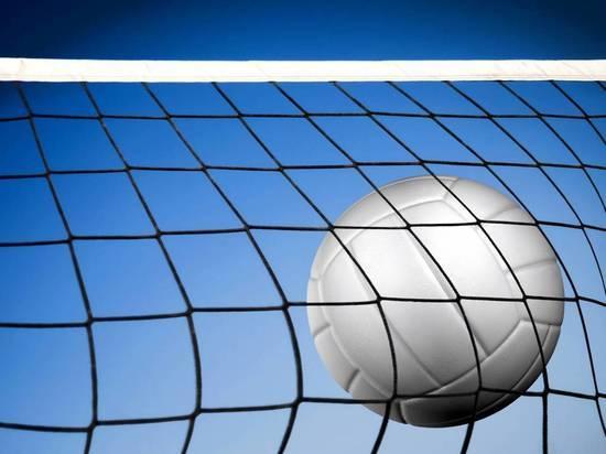 Женский волейбольный клуб «Енисей» начал с победы