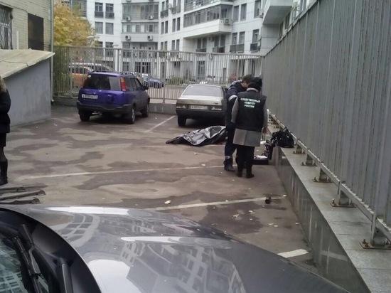 При этом соседи мужчины слышали выстрелы, но приняли их за петарды