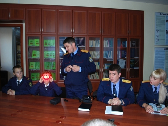 В следственное управление пришли восьмиклассники гимназии №24