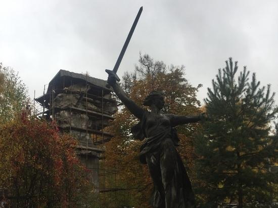 Копию знаменитой скульптуры можно найти во дворе столичной мастерской скульптора