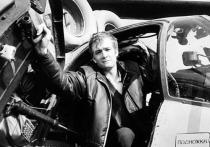 17 октября 1994 года на своем рабочем месте, в редакции «Московского комсомольца», был взорван наш друг и и коллега, военный корреспондент «МК» Дмитрий Холодов