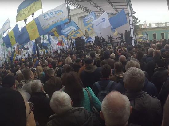 Пришли козлы вас выносить: Порошенко выполнил требования Саакашвили