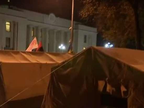 Здесь кого бояться: резиденцию Порошенко взяли под усиленную охрану